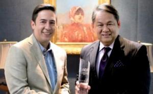 PLDT Alpha Enterprise head Jovy Hernandez (left) and ePLDT president Eric Alberto