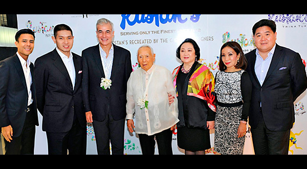 Rustan's chairman emeritus Bienvenido Tantoco Sr. (center) leads the grand launch of the new Rustan's Cebu with (from left) Rustan's president Donnie Tantoco, Rustan's VP for store planning and expansions Michael Huang, Ayala Corp. president and COO Fernando Zobel, Rustan's chairman and CEO Nedy Tantoco, Rustan's board member Maritess Tantoco-Enriquez and SSI Group president Anton Huang.