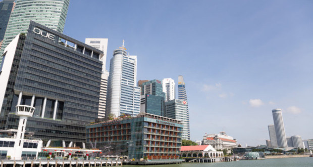 Retail-in-Asia-Singapore-OUE-Skyline-770x514
