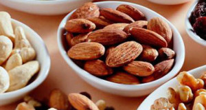 five_nuts_to_improve_your_physical_quality_in_winter8ed4be3d02008f70b453